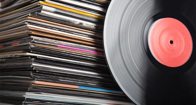Vinyly slaví 70 let. Co bylo na1. LP?